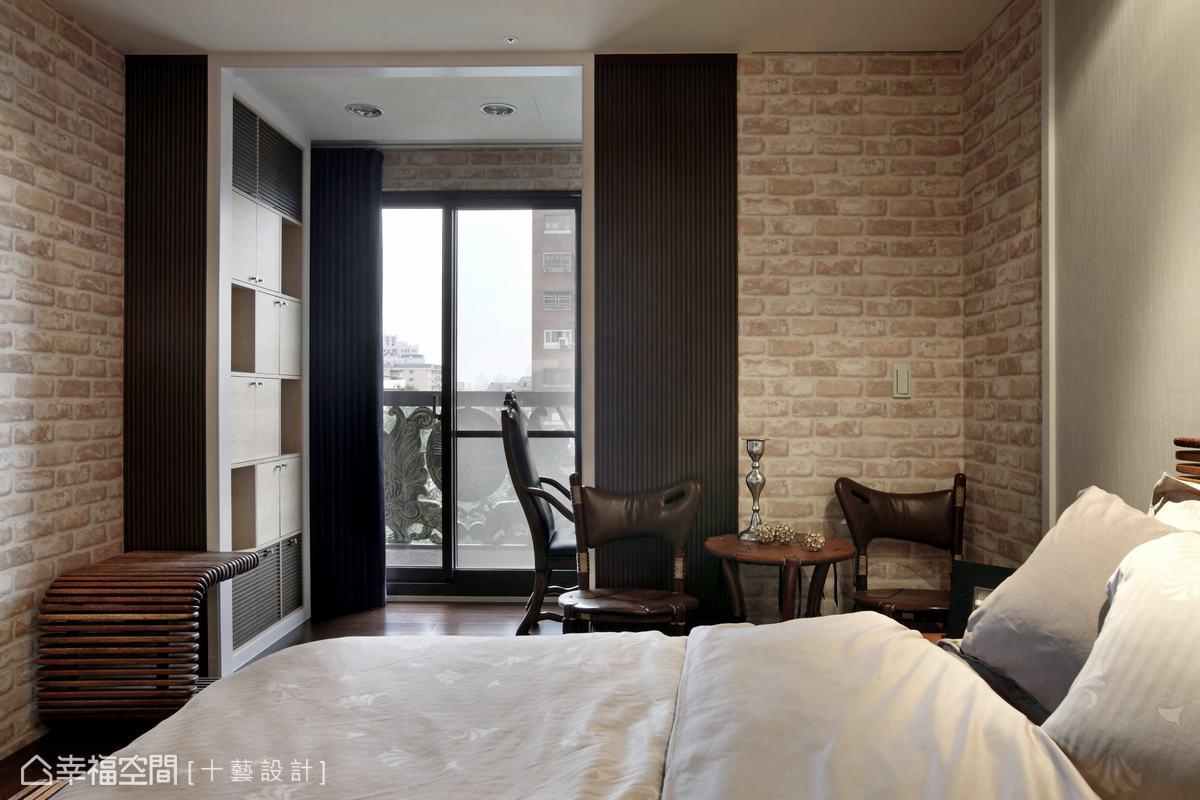 裸磚、木格柵、仿古作石材等簡約線條,呈現年輕雅痞的古著時尚風。