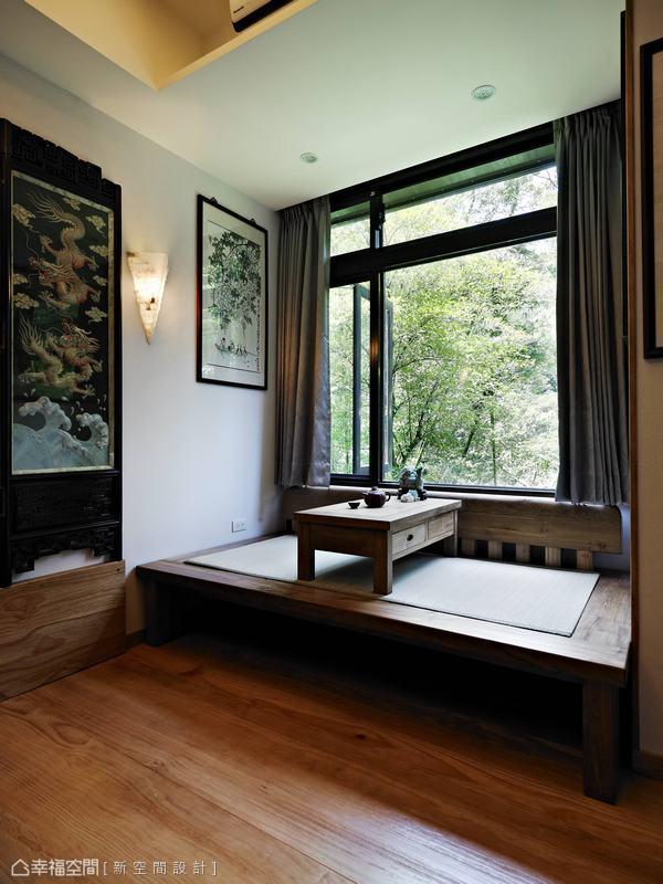 設計師特別於臨窗區規劃一方舒適臥榻,可不用拘泥姿態簡單地融入大自然中。