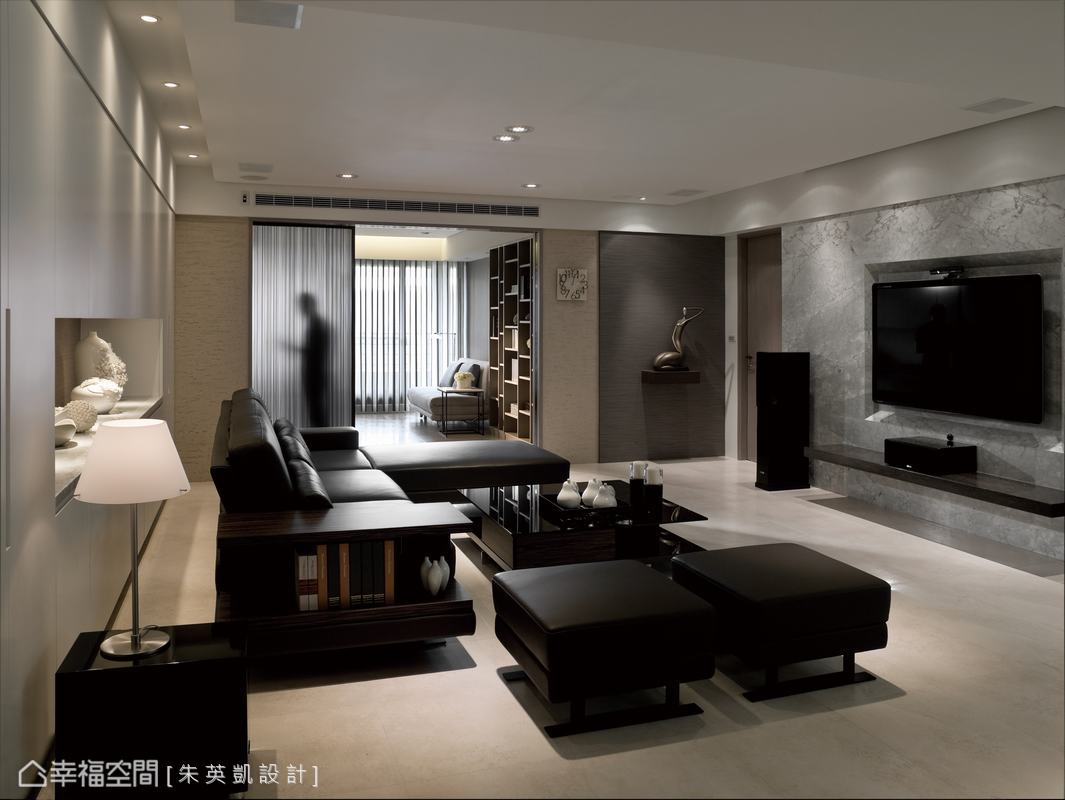 設計師藉由空間比例的調整,打造百坪豪宅的格局視野。