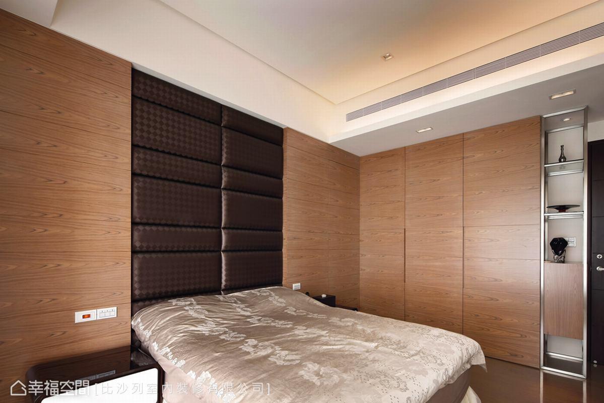 以木皮鋪敘的私人空間,營造休閒風品質住宅。