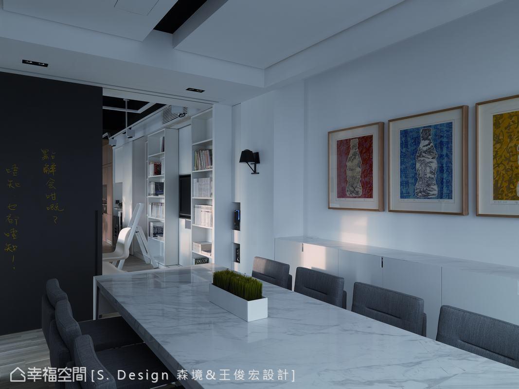 可容納十人的會議室,以王俊宏設計師收藏當代藝術家薛松的作品,為辦公室注入藝術氣息。