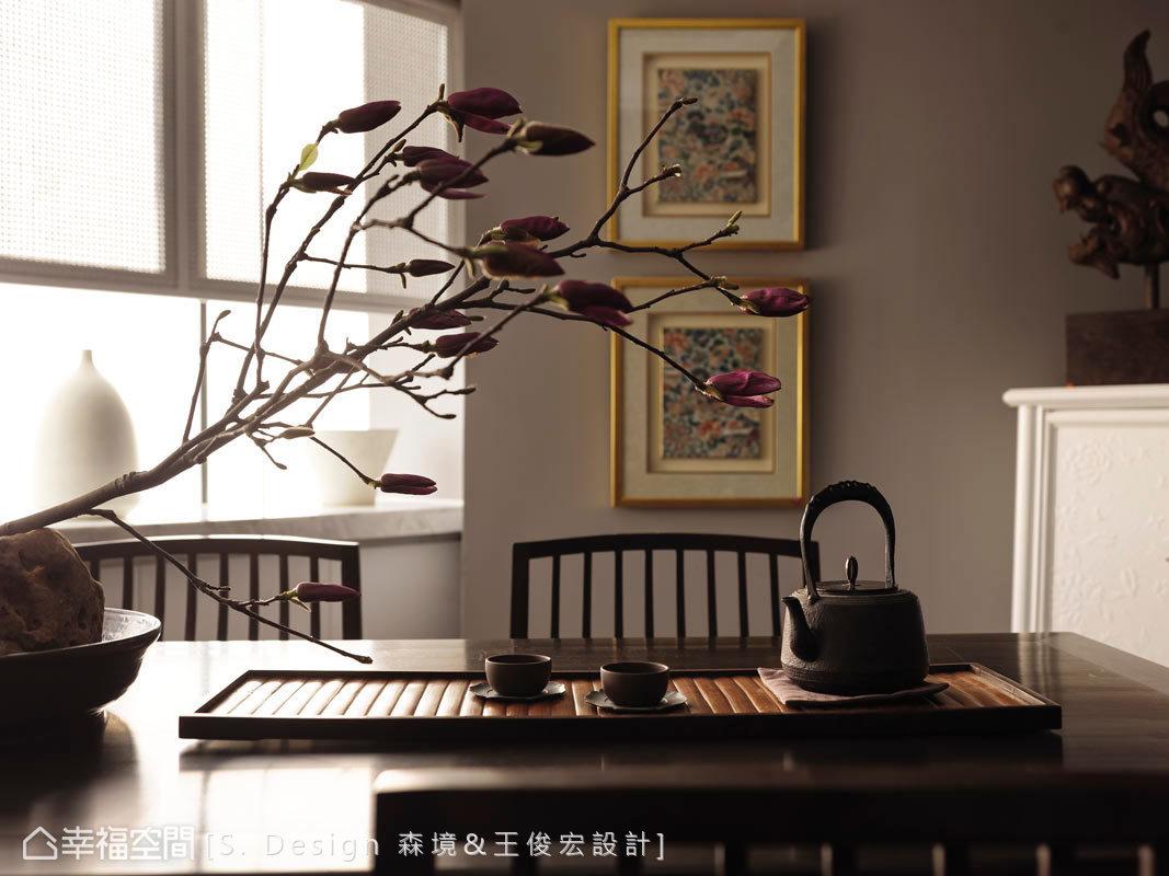 在設計師精心的鋪排下,空間中呈現東方神秘、朦朧的美感。