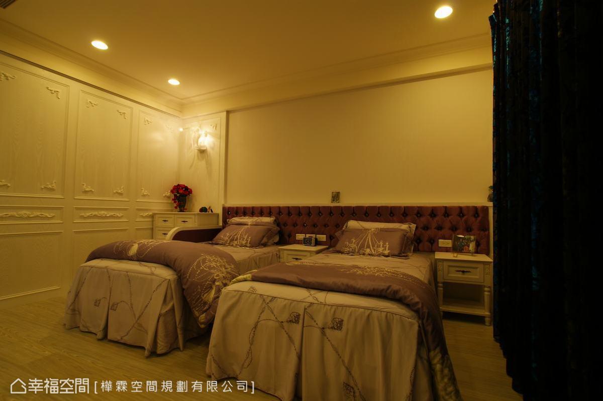 延續古典元素,以飯店雙床房的形式規劃,使睡眠時間更舒適。