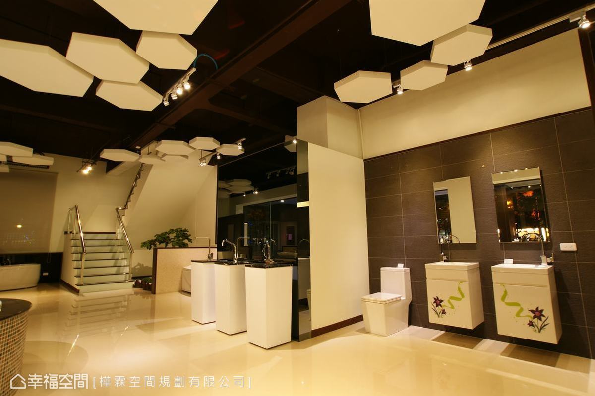 一樓的展區主要以配套衛浴及大品牌為主。