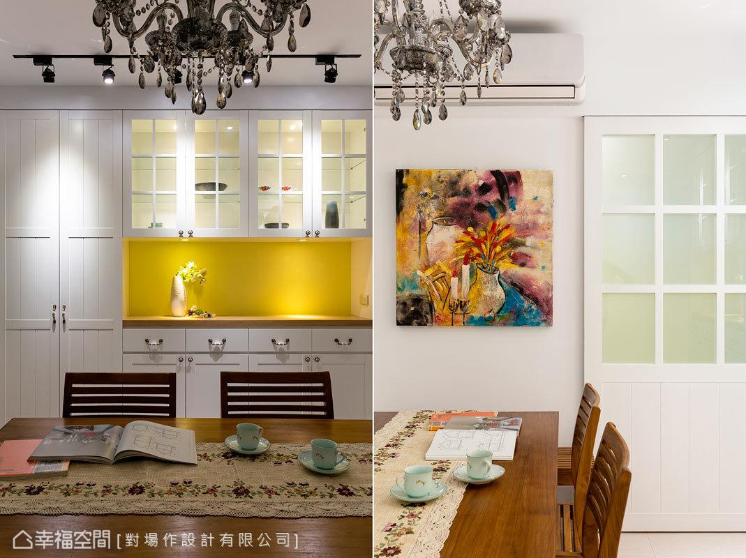 原本廚房與餐桌設置在鐵皮加蓋的後陽台,經過設計師的重整之後,全家人都可以在此開心的圍爐了。