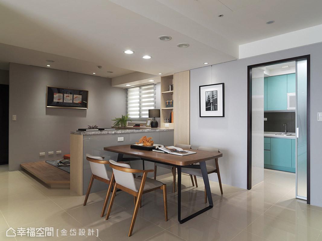 設計師陳美貴特別在家具陳設與尺寸做設定,以符合小家庭的使用機能。