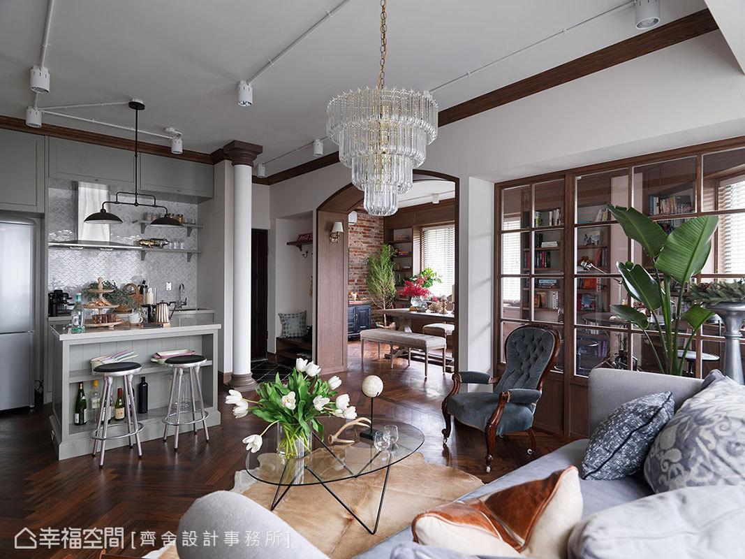 明亮的光線,經由邊間住宅的窗線湧入,串流出自然、溫暖的氛圍。