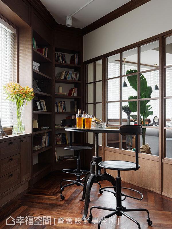 不方正空間的一角,以復古家具擺設,自然地為空間劃分出段落感。