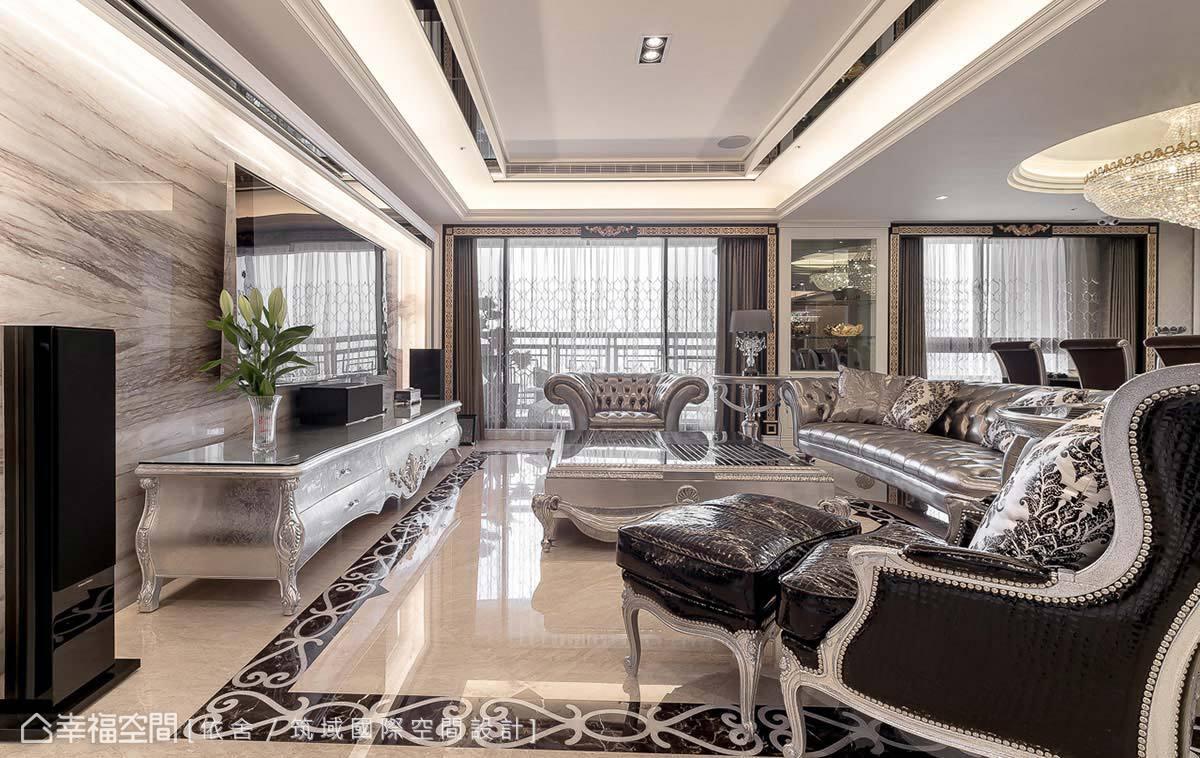 灰階的優雅仍是依舍/筑域國際空間設計在新古典設計上期盼掌握的氣質氛圍,在客廳區大膽帶入銀色家私的奢華,搭襯上石材的自然肌理,整體空間擁有不同於大鳴大放的內斂質地。