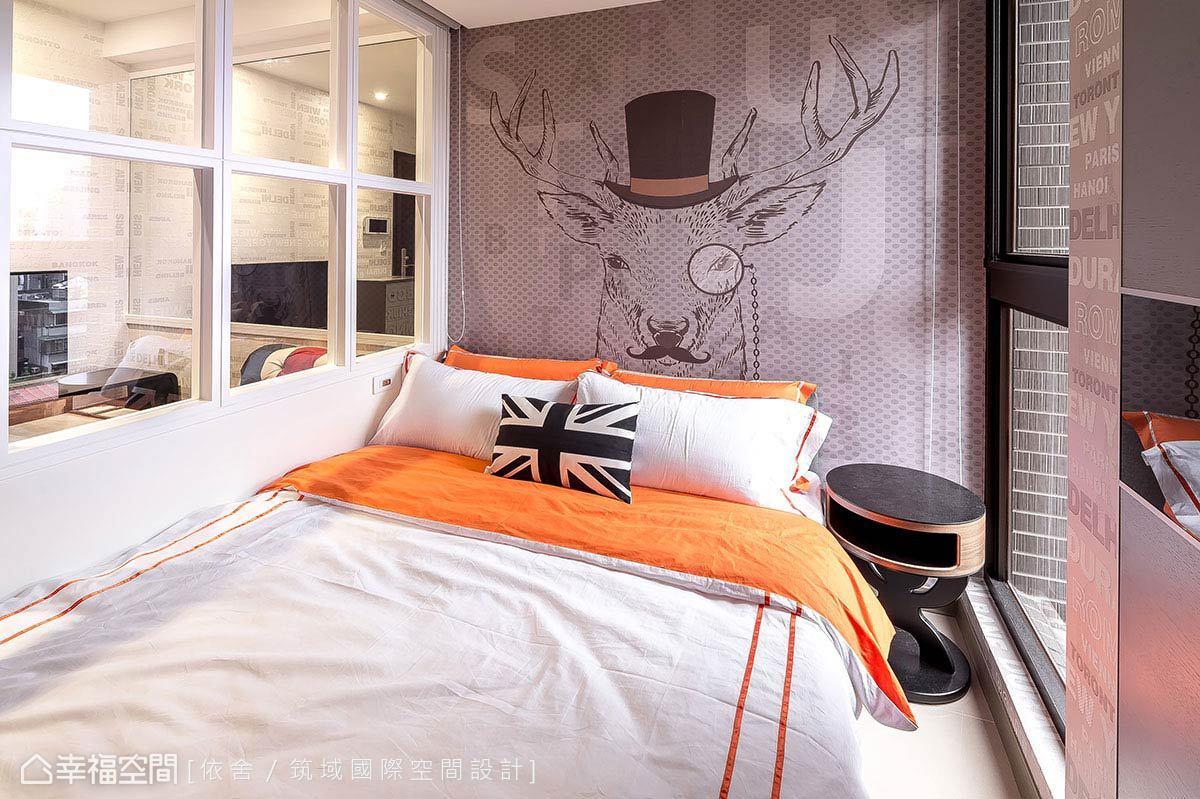 陳永祥、李雨蓁設計師大膽運用亮彩跳色,賦予空間繽紛情境,活化臥眠的寧靜安適意義。