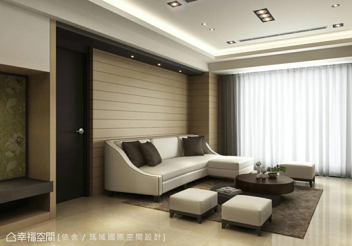 木質元素的樸實溫暖與進口壁紙圖騰的精緻感,勾勒些許對比層次,增添視覺上的活潑感受。