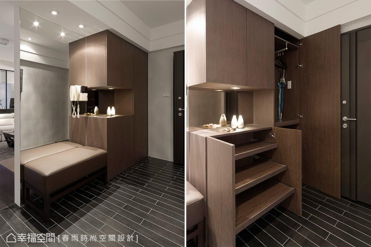 收納機能完備的鞋櫃,設計師在衣帽櫃處規劃抽盤,更方便拿取物品。
