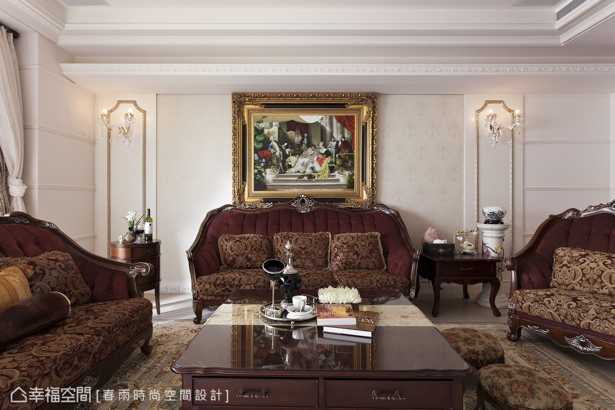 如藝品般的經典家具,巧妙安排在嶄新的設計線條中,在新舊融合外,更具有傳世藝文價值。