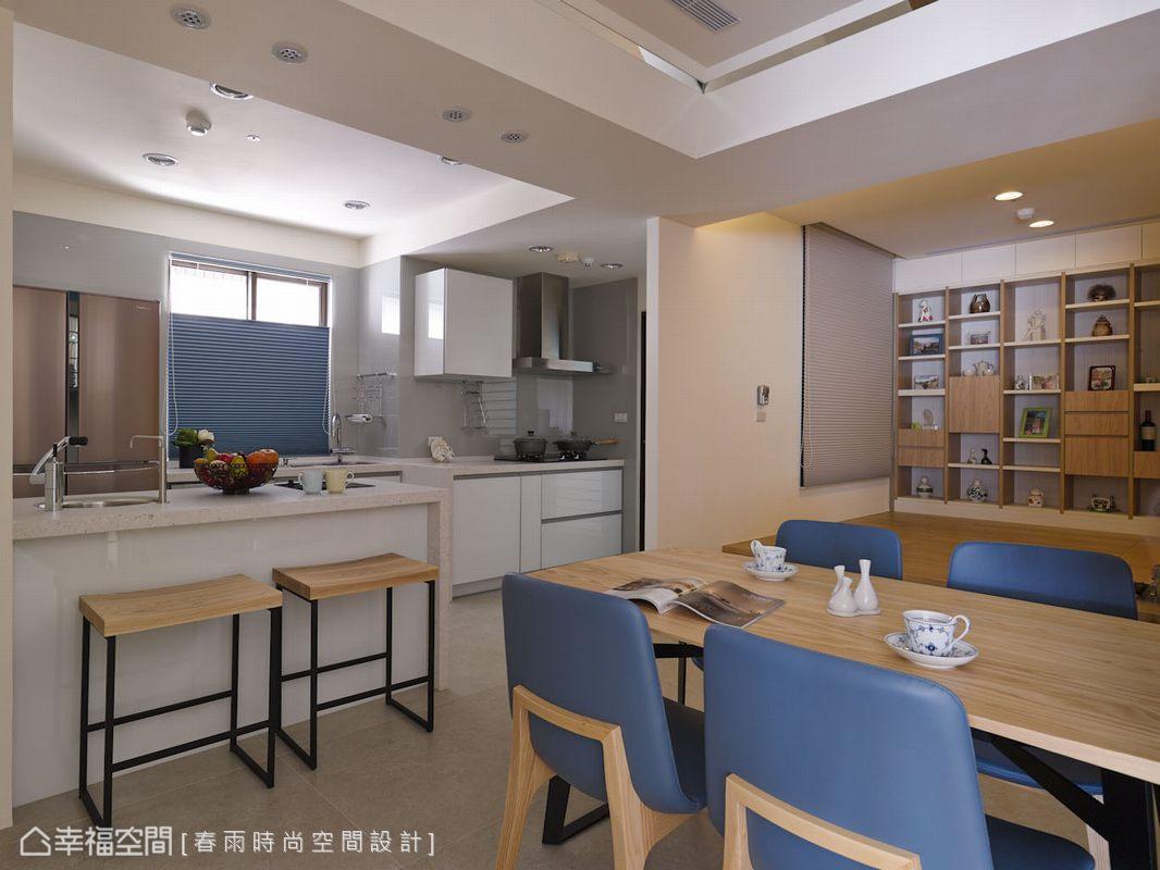 餐廳、和室與廚房的開放規劃,讓姊妹歡聚的場所有更開闊的互動交流。