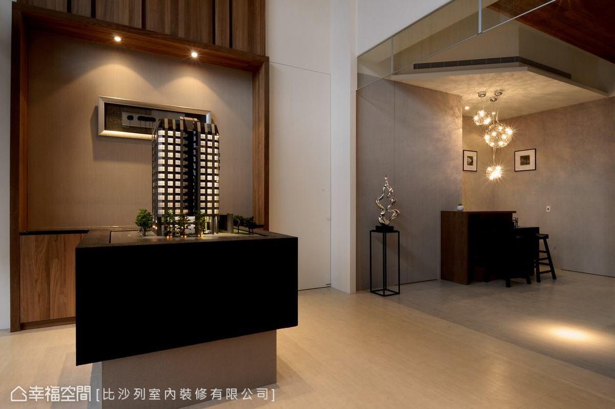 利用木框形成的視覺端景,讓空間更具穩定感和安定性。