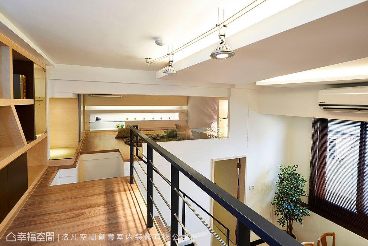 閱讀及客房空間設於上層,以溫暖舒適的木地板延伸,形成輕鬆自在的休閒場域。