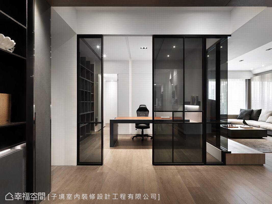 以灰玻拉門作為隔間牆,保留視覺延伸性之效,也描繪出通透明亮的空間感。