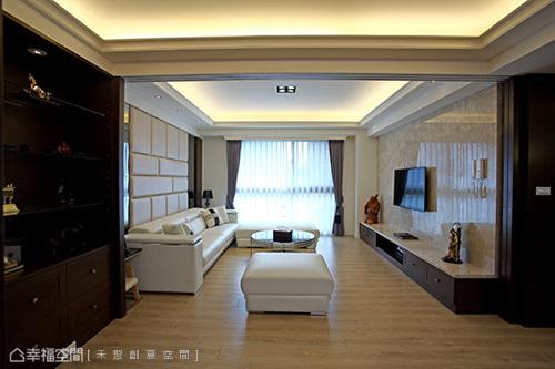 櫃體於廊道底端的設定,巧妙形塑空間第二端景。