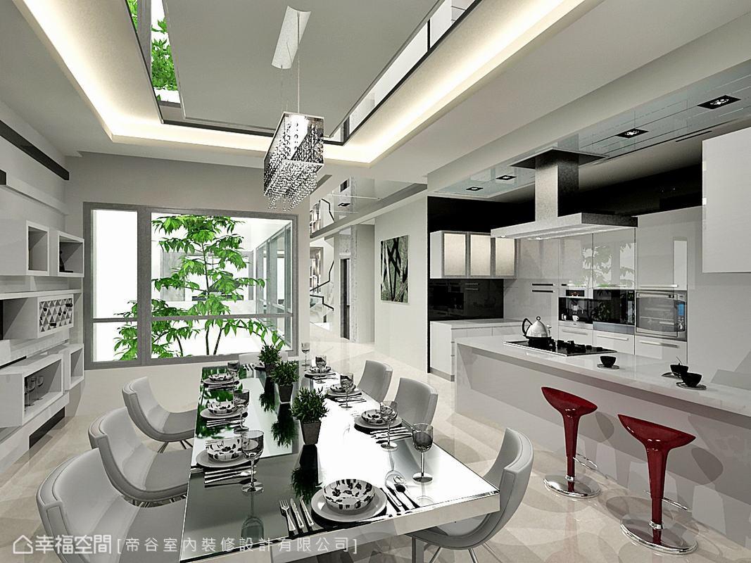 以明鏡為邊櫃收邊的天花造型,反射窗外綠意景觀,特別挑選可昇降式的抽油煙機,機能和美觀都兼具。(此為3D合成示意圖)