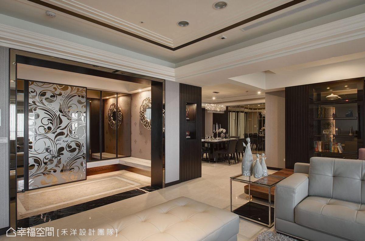 地坪特製素雅又別致的拼花效果,對應華麗的噴砂玻璃,呈現正式而隆重的迎賓氛圍。