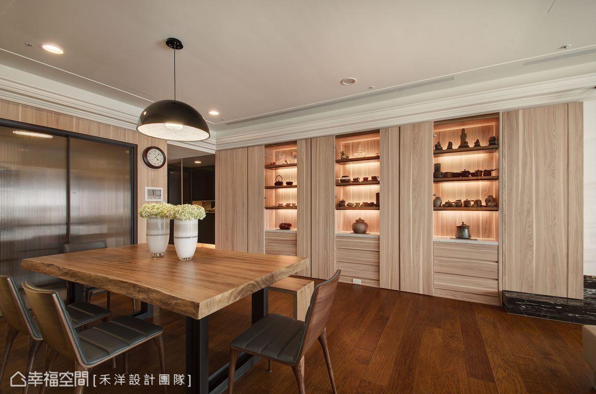 櫃子穿插展示與儲藏用途,讓視覺不會太過沉重,更恰到好處烘托陶藝品的質感。