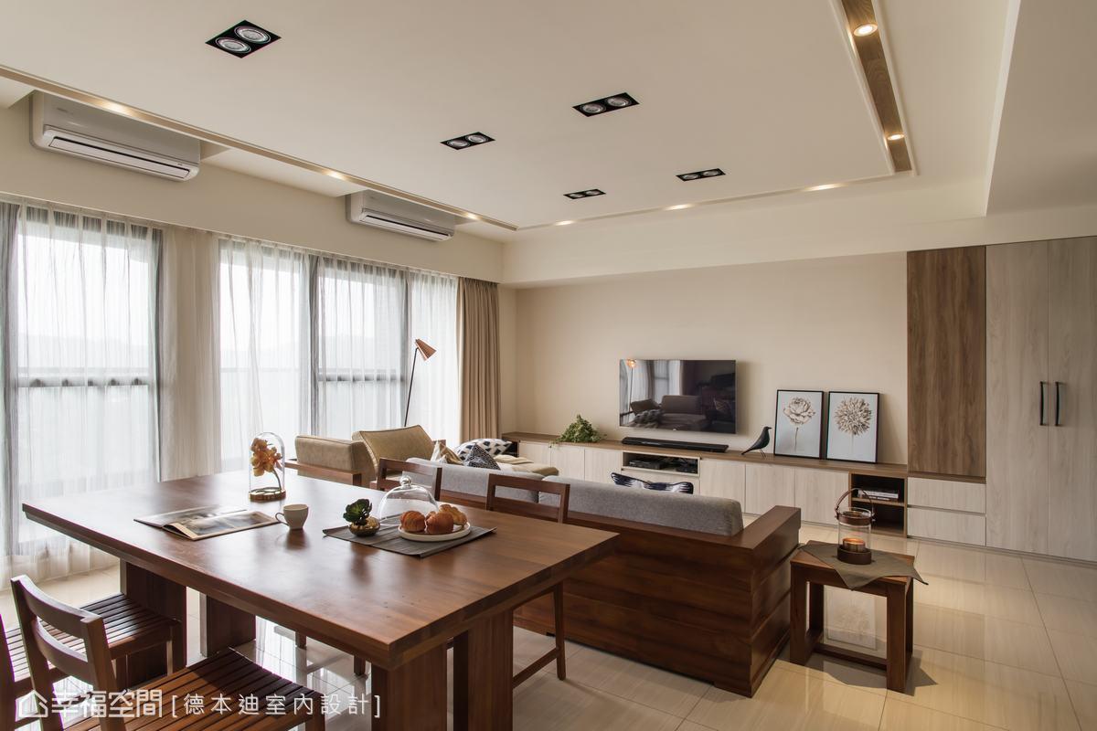 天花板以嵌燈取代間接光源,再貼上木皮呼應整體風格,俐落不落俗套,讓空間更加簡約清爽。
