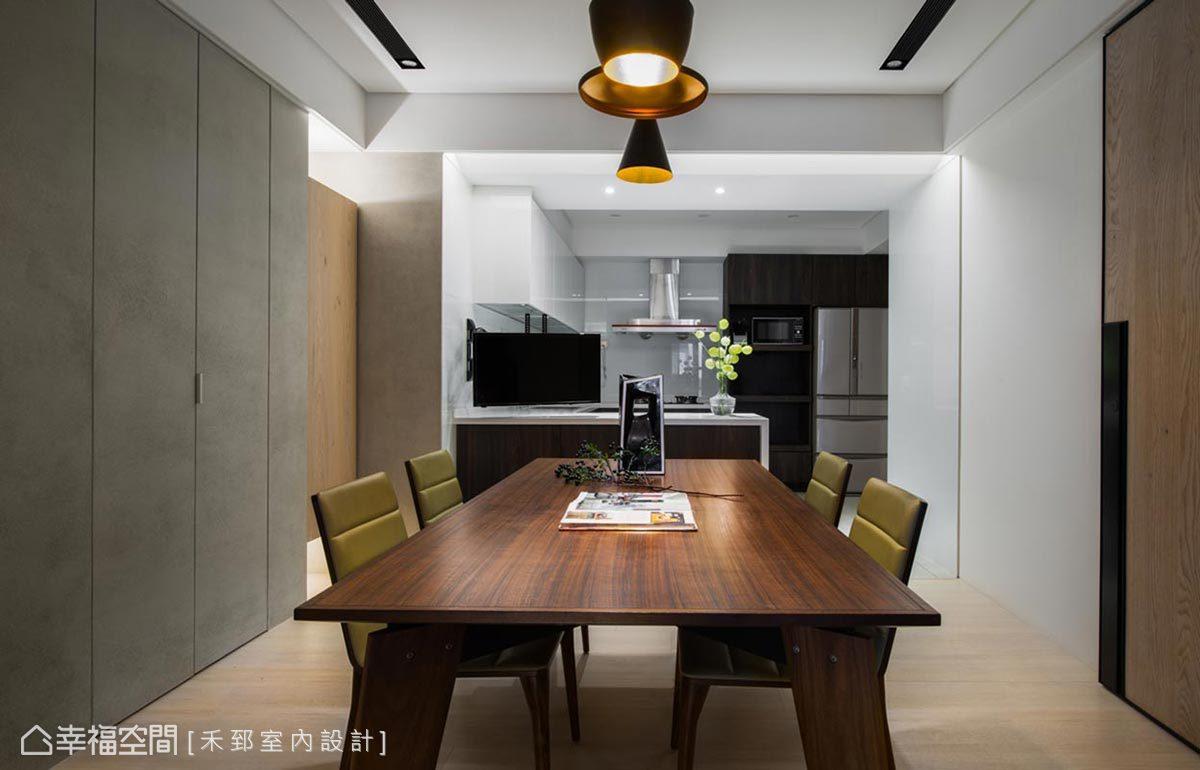 餐廚區以開放式手法規劃,無隔間設計亦使空間更為寬敞,滿足本案以無障礙宅規劃的主旨。