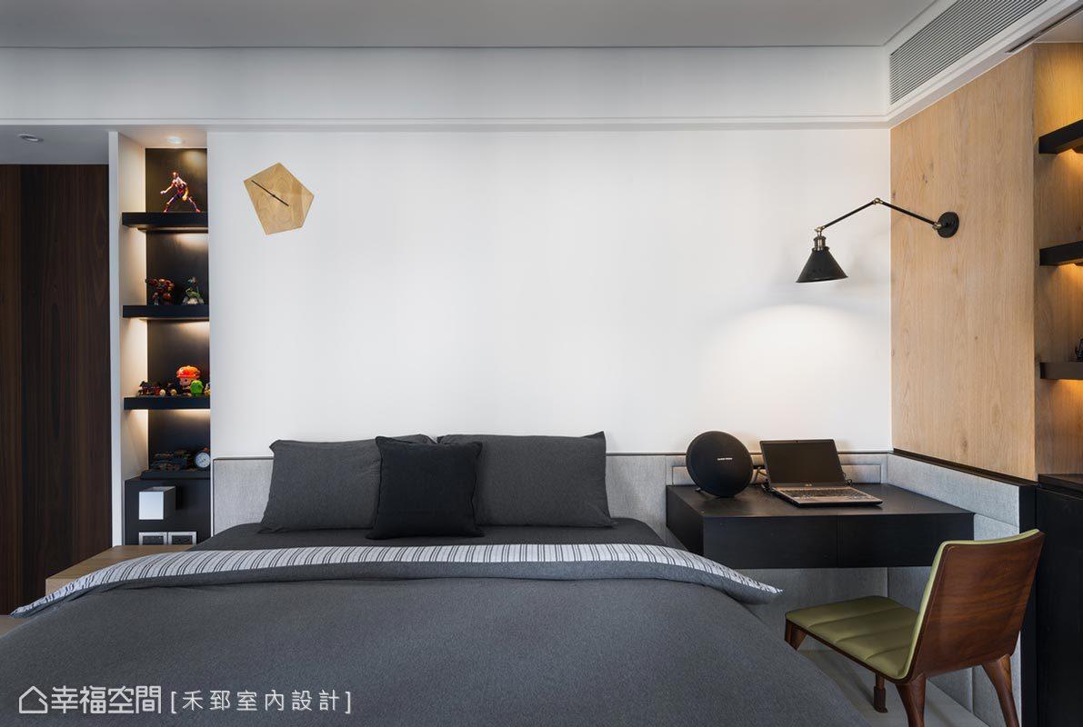 延續公領域色調,主臥房減少線條的鋪陳,替屋主形塑舒適自在的臥眠環境。