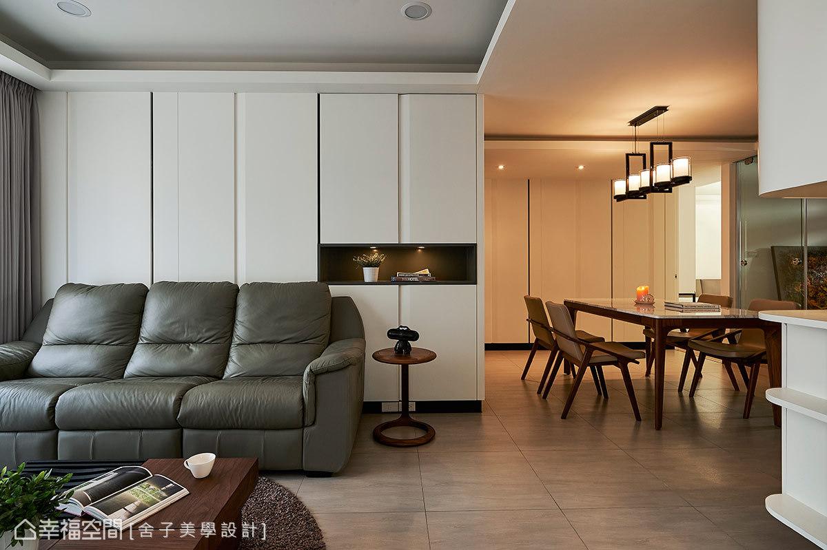 現代感的公領域裡,搭以溫潤感的質材與室內照明,調和溫馨、樸實的人文生命力。
