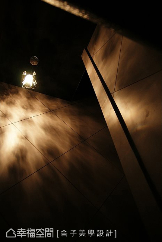 舍子美學透過光影的變化,並以其為主角,還原空間的本質,讓空間說自己的故事。