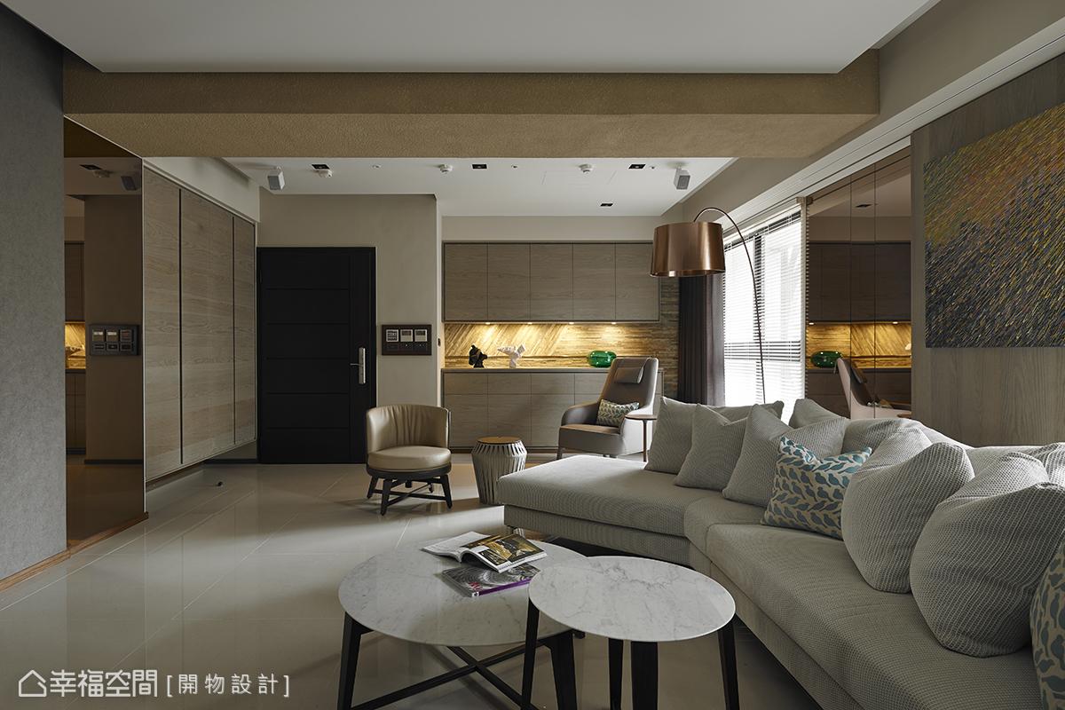 設計師楊竣淞與羅尤呈為本案注入生活的自由度,簡約卻蘊含創意與實用性,充分體現空間的美學。