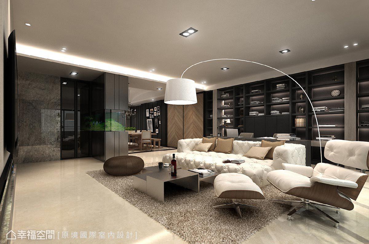 設計師邱郁雯在公領域以開放式規劃,並將書房與客廳構築為同一軸線,增添功能的複合與多元性,也放大空間尺度與視覺景深。