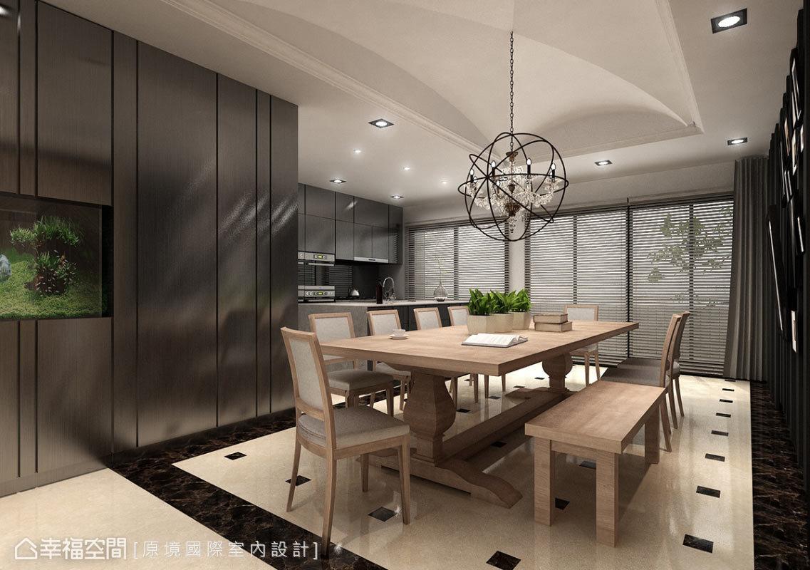 餐廚區採開放式規劃,串聯了家人間的情感聯繫,並配合兩側大尺度的開窗,讓屋主感受空氣流通與輕透日光。