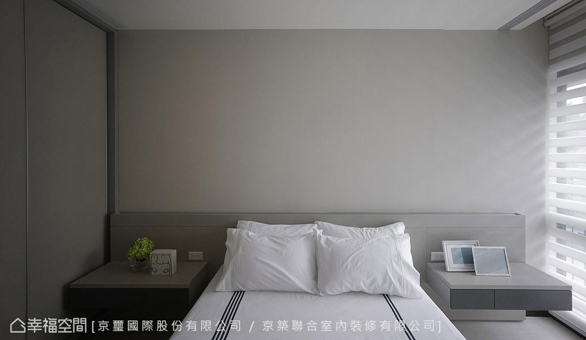 延續純淨白色語彙,搭配完整實用的機能配置,讓客房也能擁有最舒適的氛圍。
