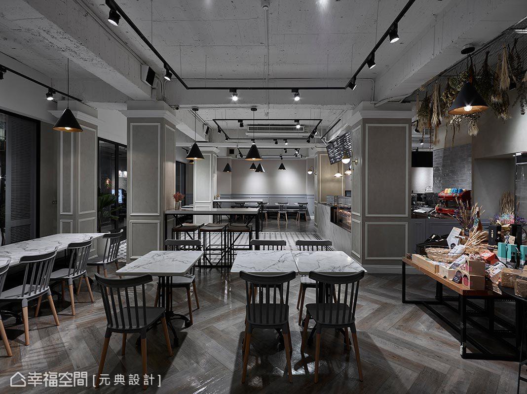彭立元設計師善用室內陳設,除了用餐桌椅,右側則配置木桌展示商品,及吊掛的乾燥花束,形塑吸睛亮眼的打卡風景。