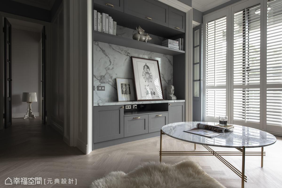 木質百葉窗非常高雅,也因葉片能夠擺動的角度不同,能夠隨心所欲地調整進光度以及光線的角度,讓空間的明暗更有彈性。