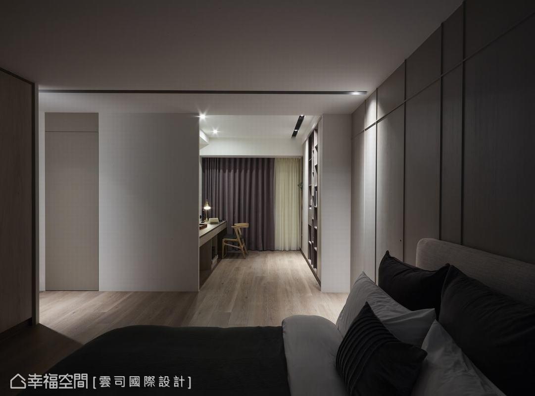 本案設定舒壓的大地色系為基調,公領域兼具交誼、休閒功能,私領域在休息之外也是靜心的創作空間,演繹住宅複合工作室的空間樣貌。