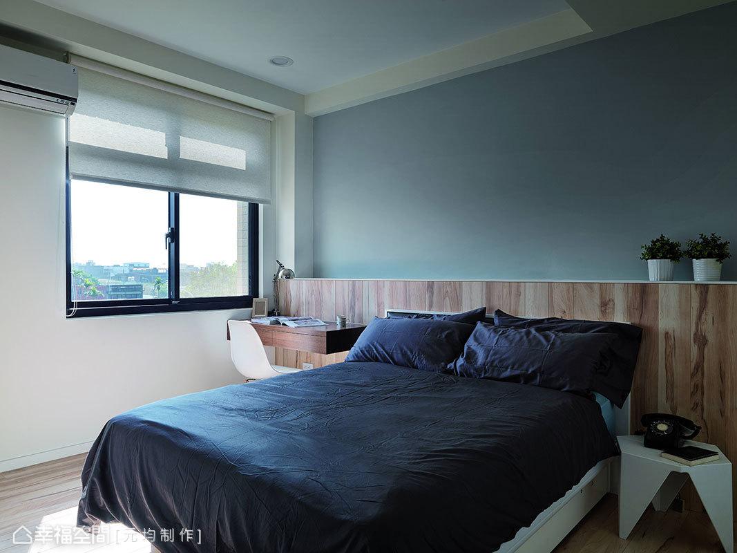 結合入閱讀桌的床頭設計,徹底貫徹化繁為簡的設計力度。