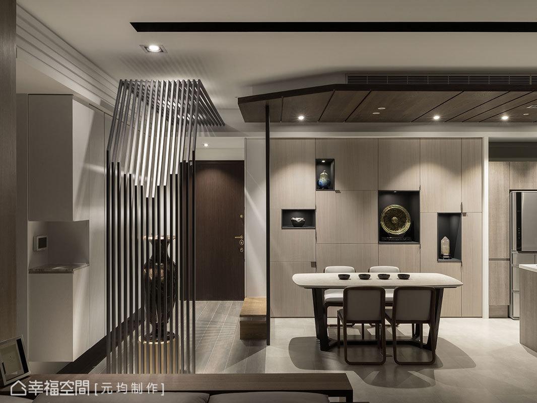 具切割線條的櫃體,是元均制作為擁有豐富藝術品收藏的屋主所打造,凸顯屋主的生活品味。