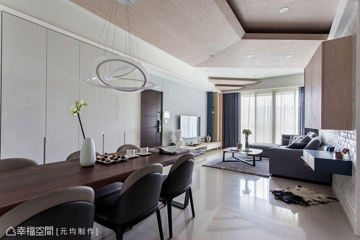 簡約、無過多裝飾元素,透過立面與櫃面的切割及劃分,讓視覺比例更加平衡,成功鋪述居家的舒適感受。