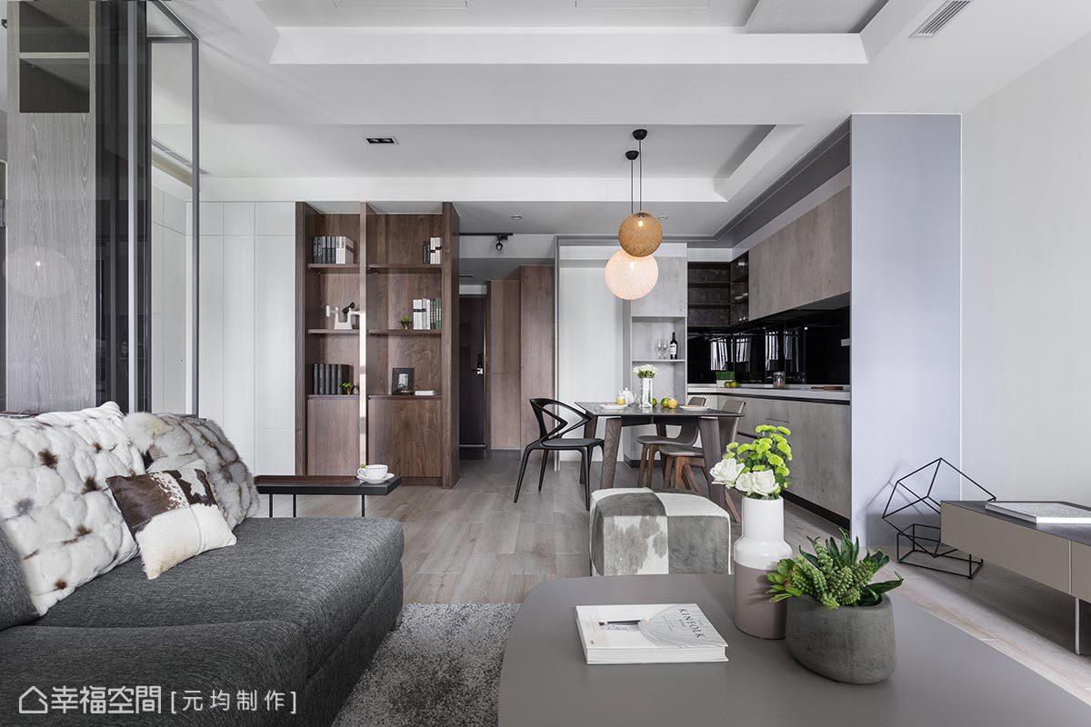 客廳、餐廳、廚房採開放式手法設計,捨棄隔間以提升空間使用率外,也讓日光能夠引入室內。