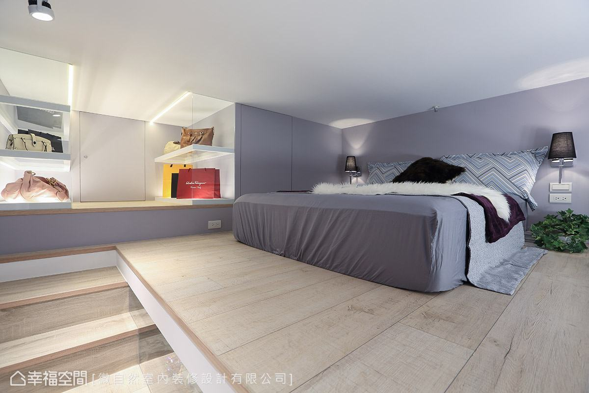 除了睡眠區之外,亦利用角落的畸零空間規劃包包展示區與小型儲藏室。