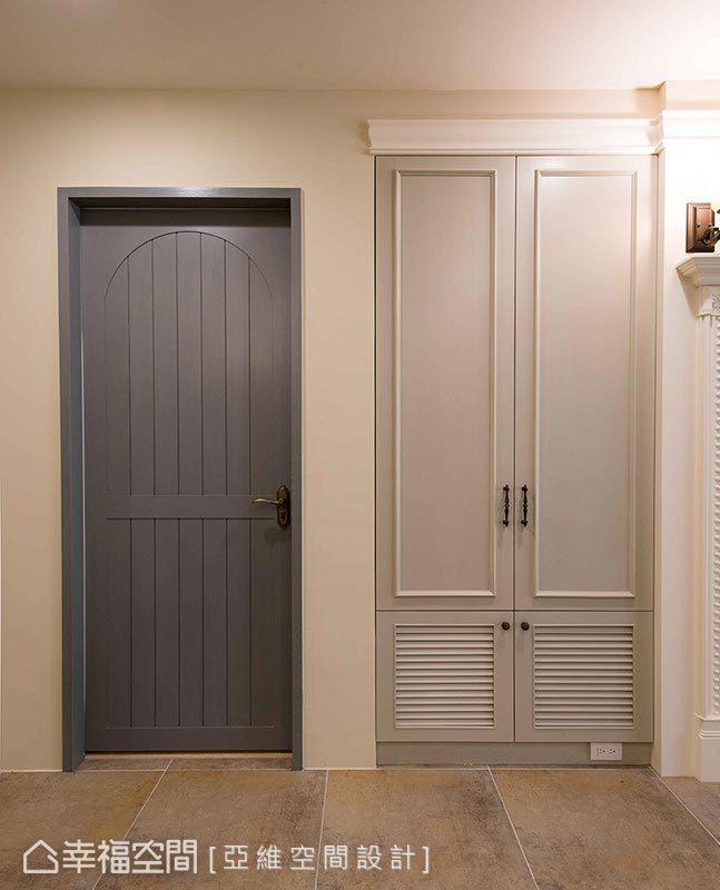 每扇門皆由簡瑋琪設計師精心設計,擅長的鄉村風格定位已然成為招牌。
