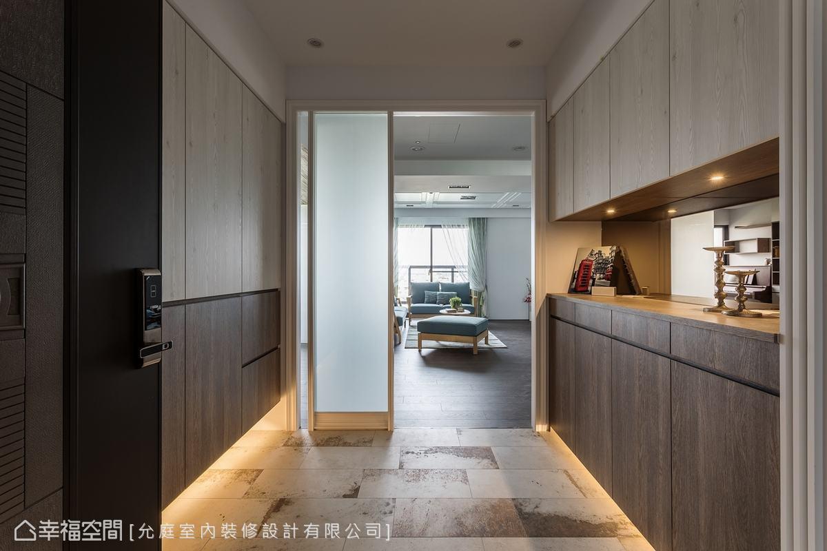 落塵區不僅融合北歐與美式的元素,還增添了儲藏室,兼顧風格與收納機能。