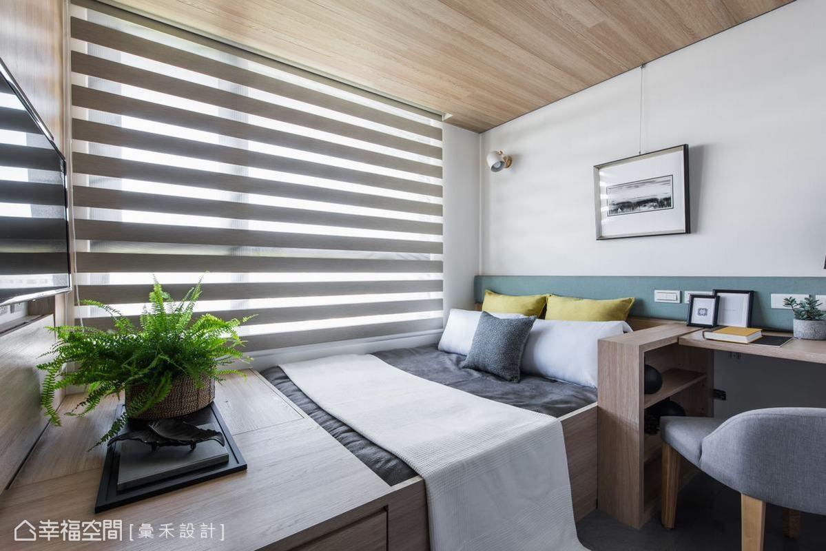 另一間臥房,床選擇以靠窗方式安置,盡可能讓屋主擁有舒適的睡眠品質。