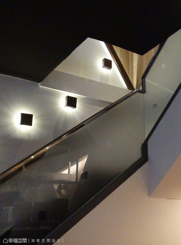 鴻樣設計讓散落的燈光作為短暫駐留的人物影像。