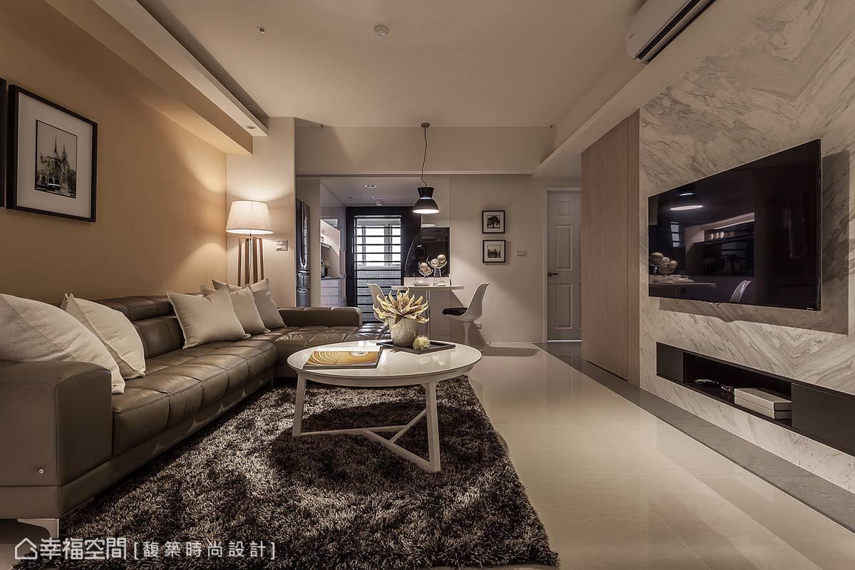 引入廚房與陽台的日光微風,搭配輕淺配色,成就優雅迷人的時尚飯店宅。