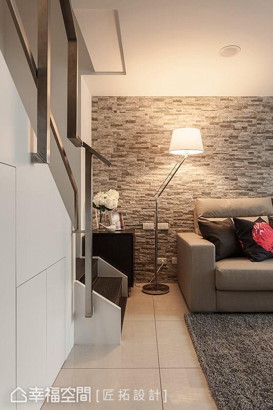 居家空間內選用黃燈做點綴,立即能帶來溫暖、放鬆的情境感受。