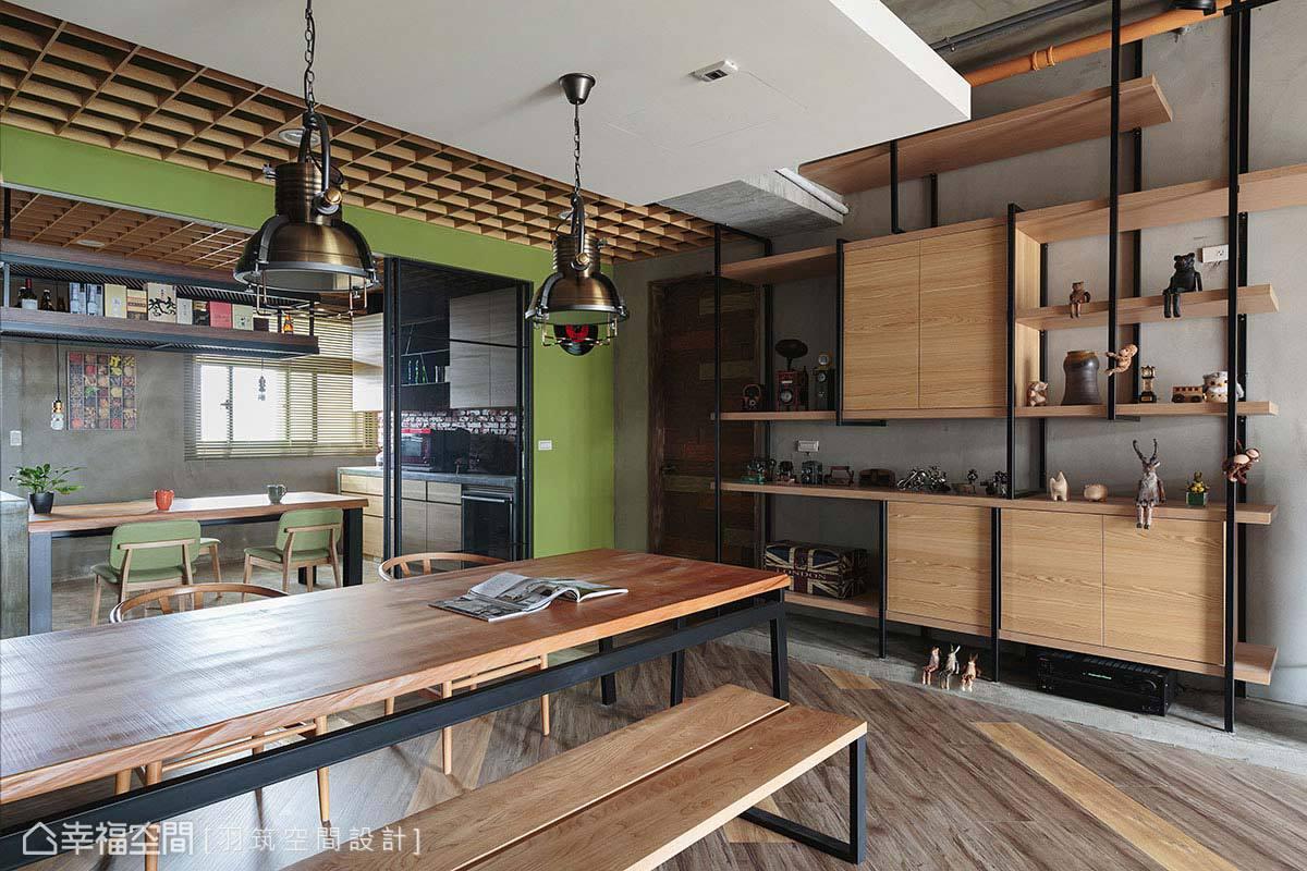 羽筑空間設計拆除原先廚房與小書房間的隔間牆後,以玻璃拉門取代,讓原先昏暗的空間擁有充足採光。