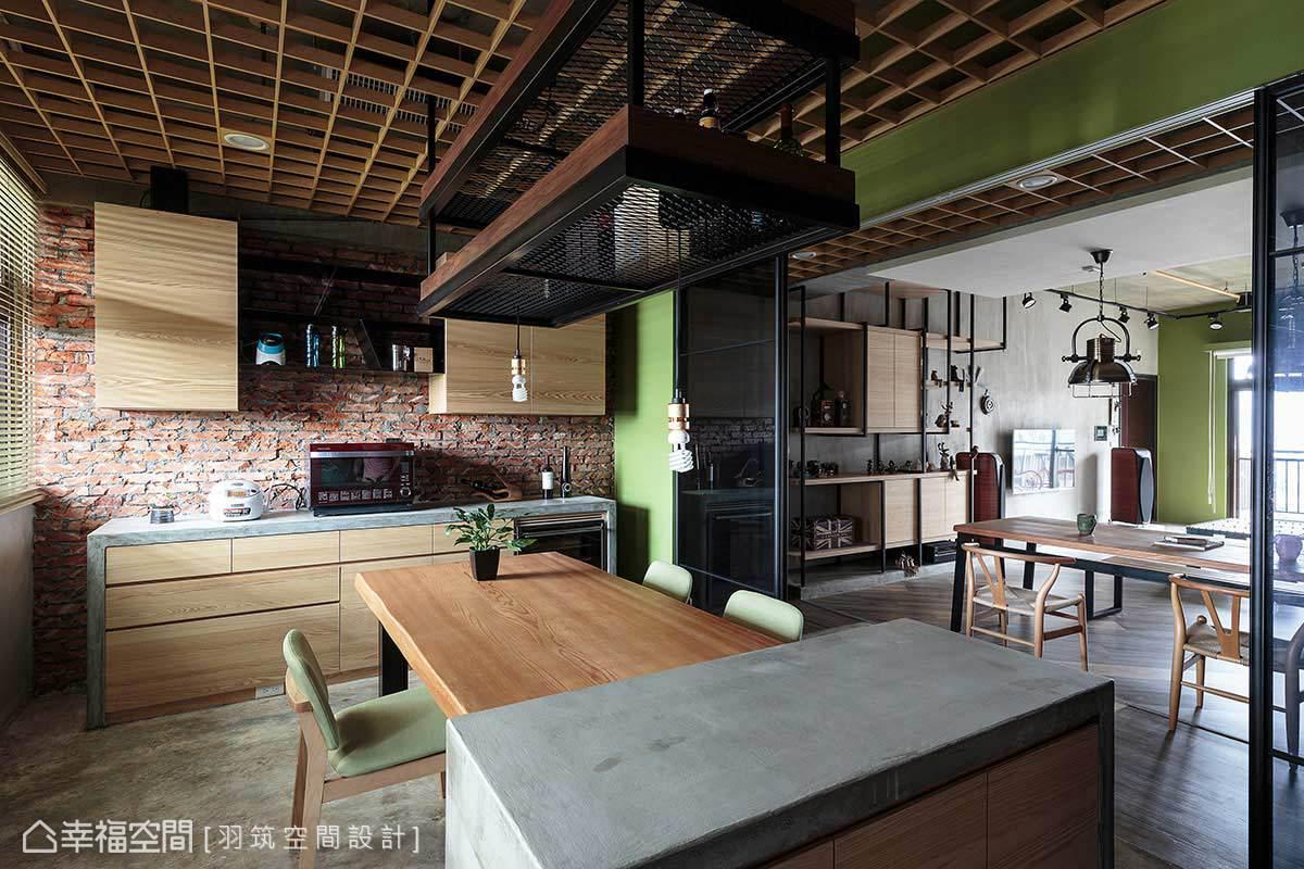 中島區吧檯和爐具工作檯,皆結合木作再覆以易膠泥為檯面,展現現代感的設計手法。
